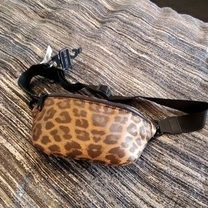 Super cute leopard print Steve Madden belt bag